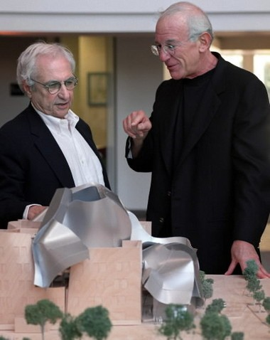 Frank Gehry, left, and Peter Lewis at Case Western Reserve University in 1998, when CWRU unveiled Gehry's design for the university's Peter B. Lewis Building for the Weatherhead School of Management.