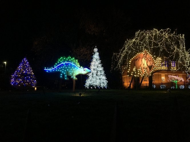Ge Christmas Tree Lights.Ge Lights Up Nela Park With Cleveland Themed Holiday Display