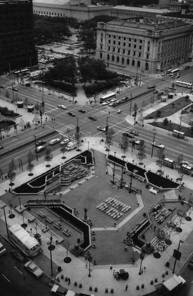 Completed southwest quarter of the Public Square as seen from the 15th floor of the Terminal Tower in 1986. (Plain Dealer Historical Collection)