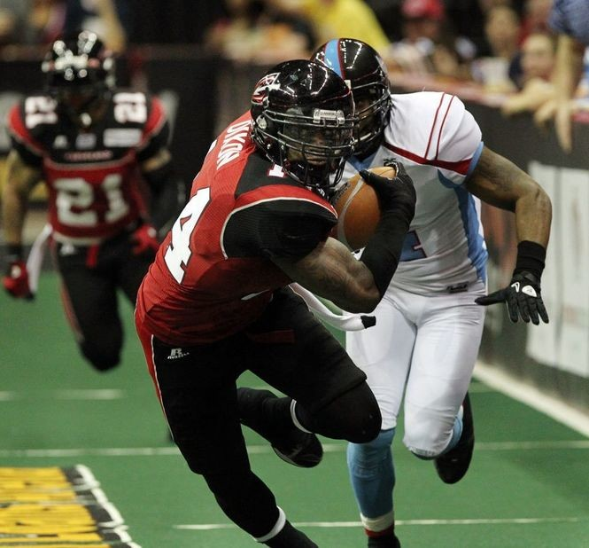 Dixon runs back an interception during the March 23, 2012 Cleveland Gladiators game against the Kansas City Command.