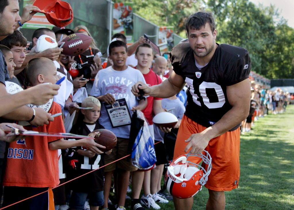 Cleveland Browns' Peyton Hillis is one of the team's most popular ...