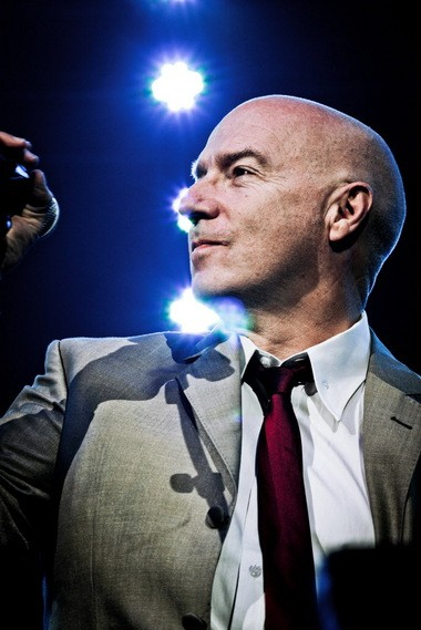 Midge Ure, a co-founder with Bob Geldof of Live Aid, Live 8 and Band Aid, is touring as a solo act right now, hoping to garner enough support in the United States to encourage his former Ultravox bandmates to join him here. If Wednesday night at Beachland Ballroom is any indication, it's a good idea.