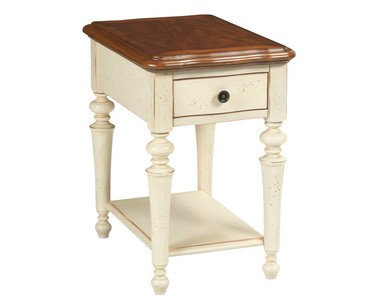The Creswell furniture line from Broyhill features a two-tone look.