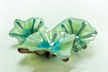 The beautiful art glass of designer Doug Frates can evoke images of the sea, such as this Oyster bowl creation.