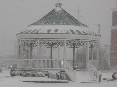 Snowfall in Strongsville causes traffic delays, Parma