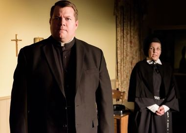 Sister Aloysius (Carla Petroski) confronts Father Flynn (Ian Atwood) with her suspicions.
