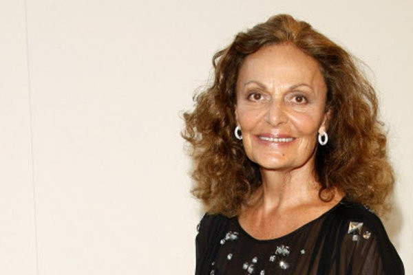 Diane Von Furstenberg Visits Cleveland Clinic Talks About Her Design For New Patient Gown Cleveland Com