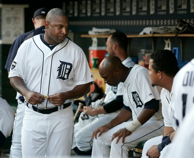 After a season and a half in Detroit, Delmon Young wasn't retained by the Tigers and signed a one-year deal -- with weight clauses -- with the Phillies.