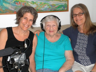 """Finding Kalman"" co-directors Laurie Weisman, left, who attended Oberlin College, and Roz Jacobs, right, with charismatic Holocaust survivor Anna Jacobs."