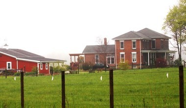 Saving the Modroo Farm from developers is drawing support from Russell residents and officials.