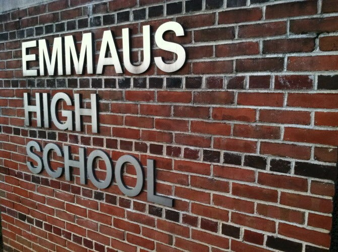 Teens Exchange Nude Photos Of Themselves At Emmaus High -3120