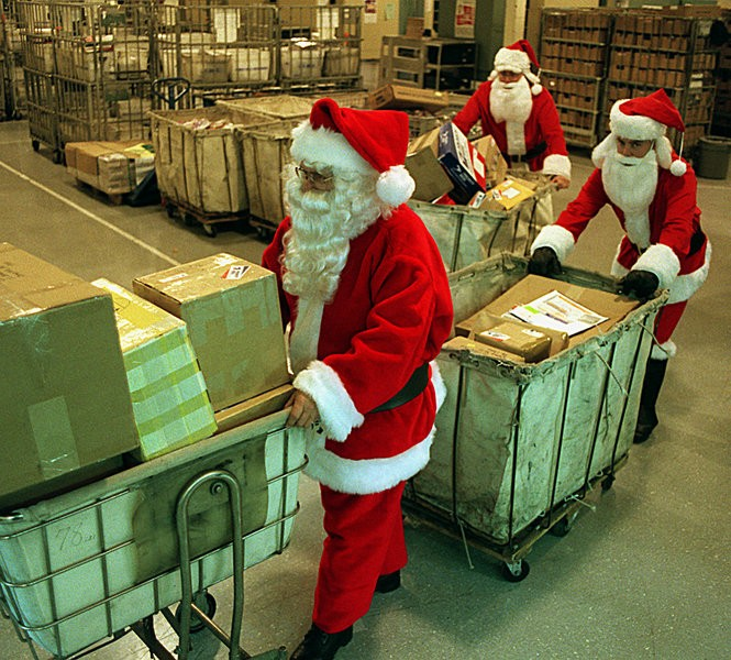 Post Office Hours Christmas Eve.When Should You Mail Christmas Cards And Gifts See The Post