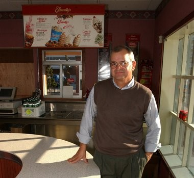 Gary L. Glenn is shown in a 2001 file photo at the King Street Friendly's location in Northampton. Glenn became the franchisee-owner of the long-time location in November, 2001.