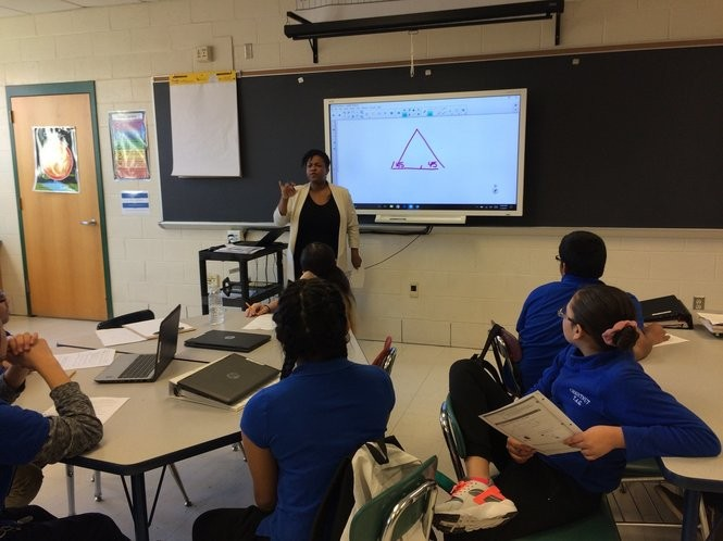 Math teacher Chalais Carter conducts one of her teacher-led small groups in the Teach to One: Math program.