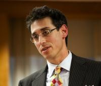 Evan Falchuk plans to run for Massachusetts governor as an independent.