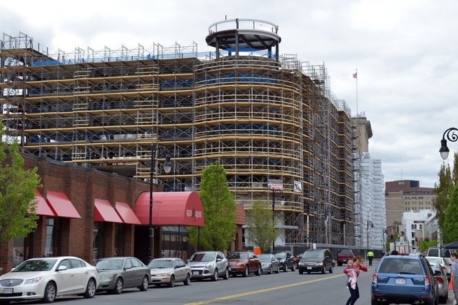 5/10/2017 -Springfield- Construction update at the MGM Springfield casino project. This is a view looking north along Main Street. Under construction on the left is the MGM hotel. (Don Treeger / The Republican)