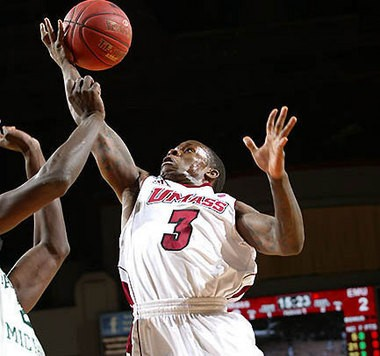 UMass point guard Chaz Williams couldn't finish a second straight game-winning shot Saturday.