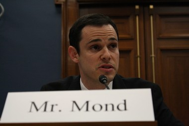 Alan Mond, the CEO of MuniRent, spoke at a forum in Washington, D.C. about his inter-municipal equipment rental business to encourage large and small municipalities to work together to cut costs and generate revenue streams.