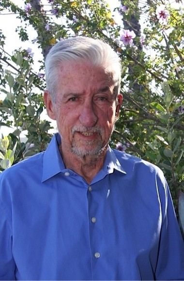 U-M grad and activist Tom Hayden will return to Ann Arbor on September 15 to discuss the climate crisis.