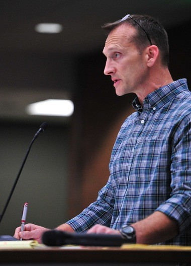 Jeff Brainard, assistant vice president for Toll Brothers Inc., addresses the Ann Arbor City Council on Nov. 16, 2015.