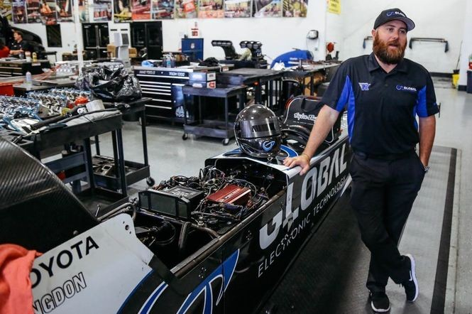 330 mph in 3 7 seconds? A look into NHRA drag racing at