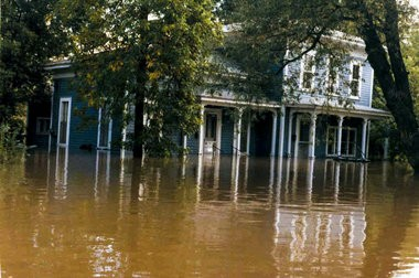 A Midland home saw water rise to its doorstep during the flood of September 1986. Photo courtesy of the Midland Historical Society.