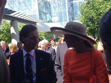 Paul Heule, Honorary Dutch Consul of West Michigan, talks with Queen Maxima during her visit to the Frederik Meijer Gardens & Sculpture park on June 2, 2015.