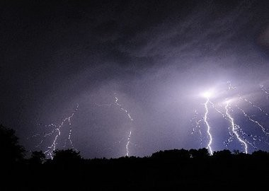 Thunderstorms hit the Kalamazoo area Tuesday night, and many residents received warnings via smart phone.