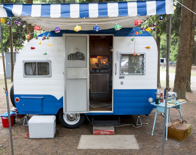 18 photos of the vintage campers displayed at Michigan park