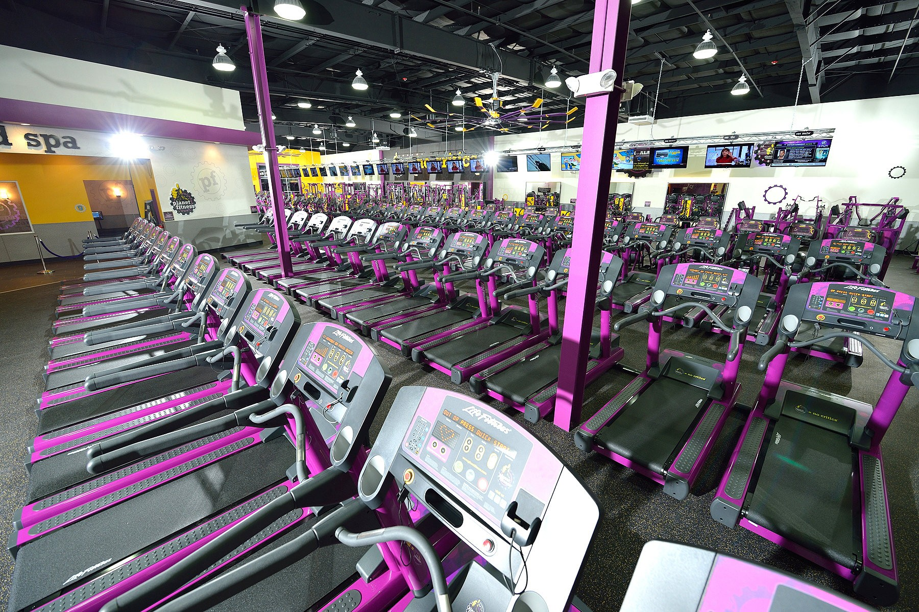 New Planet Fitness Gym Aims To Offer Affordability No Gymtimidation Environment Mlive Com