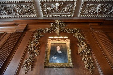 The dinning room's plaster ceiling is credited to sculpture artisit Corrado Parducci.