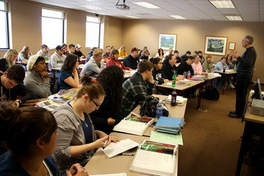 A full classroom at Jackson College masks the reality that statewide, community college enrollment is falling. (Photo by Flickr user Jackson College; used under Creative Commons license)