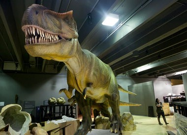An animatronic Tyrannosaurus Rex on display in the Grand Rapids Public Museum in 2013 as part of the Dinosaurs Unearthed exhibit owned by Dinoking Tech.