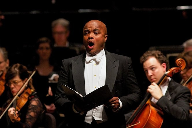 Leon Williams at a past performance with the Grand Rapids Symphony for Holiday Pops. Photo credit: Terry Johnston for the Grand Rapids Symphony or Terry Johnston | Grand Rapids Symphony.