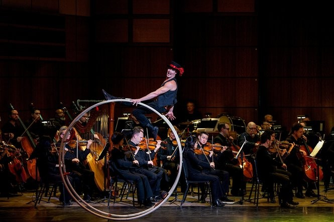Cirque de Noel with Grand Rapids Symphony. Photo credit: Terry Johnston for the Grand Rapids Symphony or Terry Johnston | Grand Rapids Symphony.