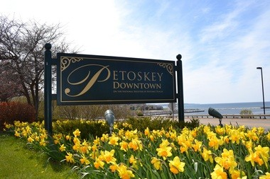 Smithsonian Magazine named Petoskey among the best small towns in America to visit in 2013.