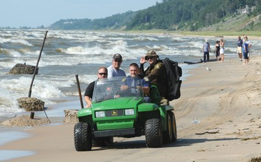 Researchers and the National Weather Service are working to better the forecasting of rip currents on the Great Lakes.