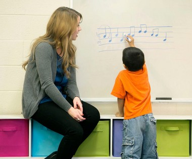 Mind Meets Music Master Teaching Artist Erin VanDellen instructs a student at Wyoming's Parkview Elementary. The local nonprofit was awarded a four-year, $2 million grant from the U.S. Department of Education to enhance teaching and learning through the arts.