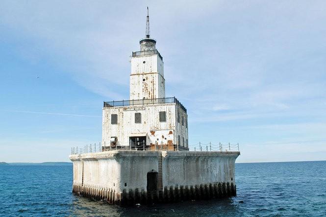 The North Manitou Shoal lighthouse crib (Photo courtesy of the U.S. GSA)