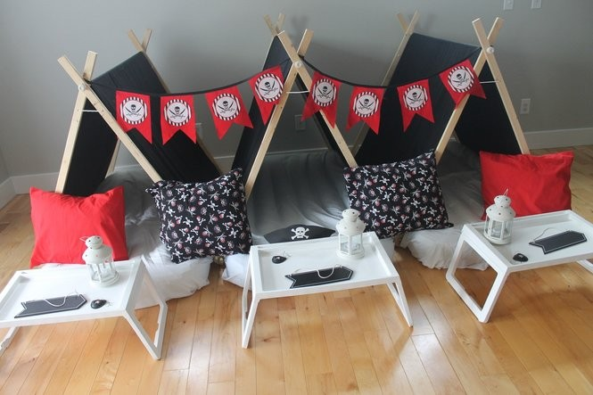 A pirate themed sleepover from Little Dreamers Sleepovers. The business aims to be hassle-free by providing sleepover kits and packages with tents, bedding, lights and more.