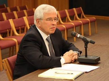 Laurence Shaffer, former Jackson city manager, is the leading candidate to become Portage acting city manager.