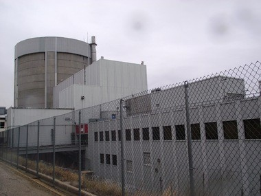 Workers at Palisades conducted ultrasonic tests on the reactor vessel during the latest shutdown in January and February to test its level of embrittlement.