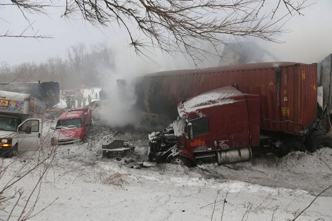 Michigan I-94 pileup near Kalamazoo: 193 vehicles involved, 1 dead