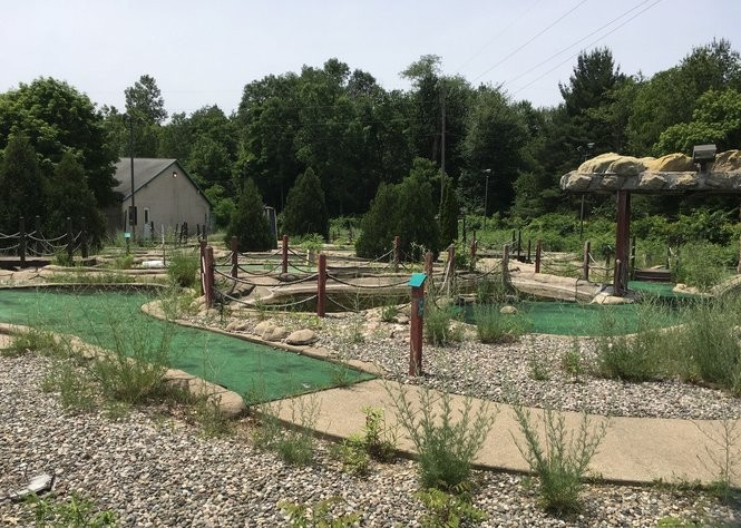 Presidential Brewing Co. plans to offer nine holes of mini golf at its location in Portage.