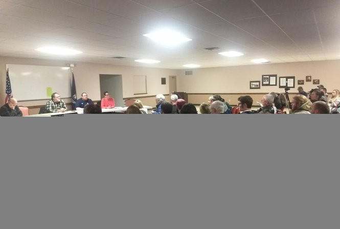 Residents filled Galesburg City Hall Thursday, Nov. 8. Most in attendance asked Galesburg City Council torejecta proposed lease that wouldgive a private oil company rights to oil and gas beneath Galesburg Community Park.