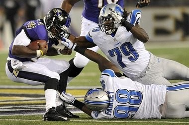 Detroit Lions defensive end Willie Young (79) signed a one-year deal today.