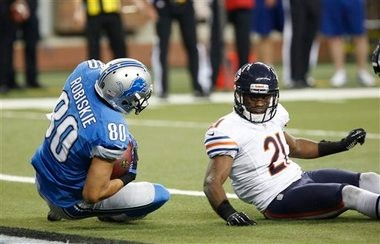 The Lions re-signed Brian Robiskie on Monday, one week after releasing the wide receiver.