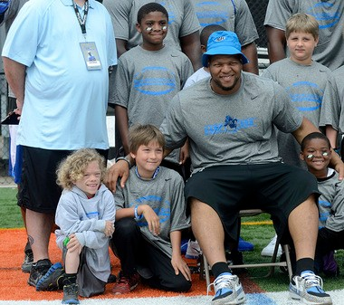 Cheap Ndamukong Suh's friendship means the world to family of young boy