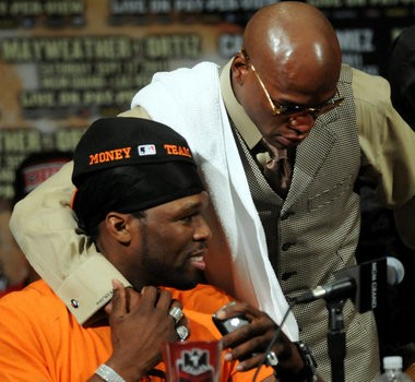 50 Cent used to be a regular at Floyd Mayweather's fights.