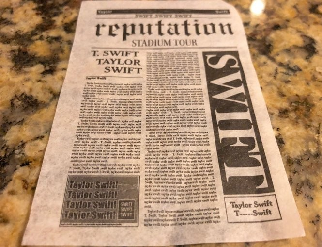 Taylor Swift in Detroit: Vast production with serpents and